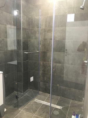 Family showerbathroom