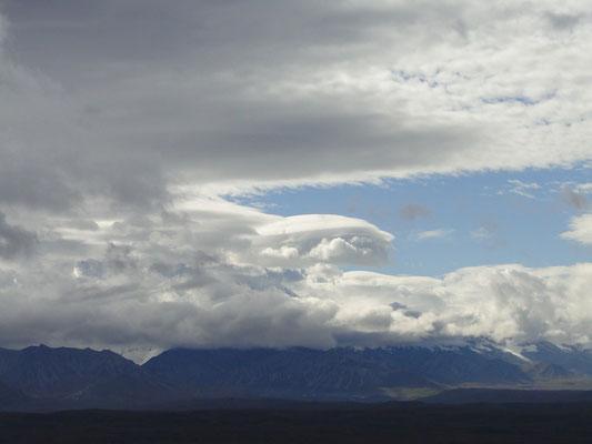 wolkenverhangener Mt. McKinley