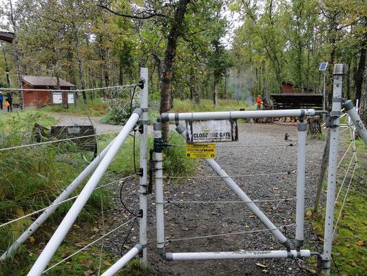 der Campground ist elektrisch umzäunt