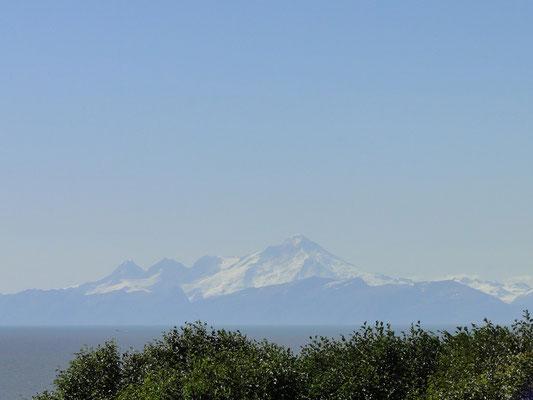 Mt. Redoubt von unserem Campground in Ninilchik