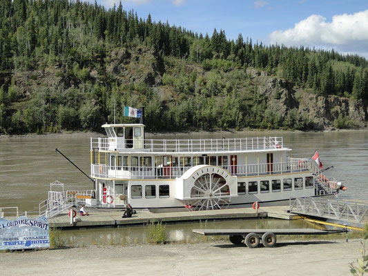 Raddampfer auf dem Yukon