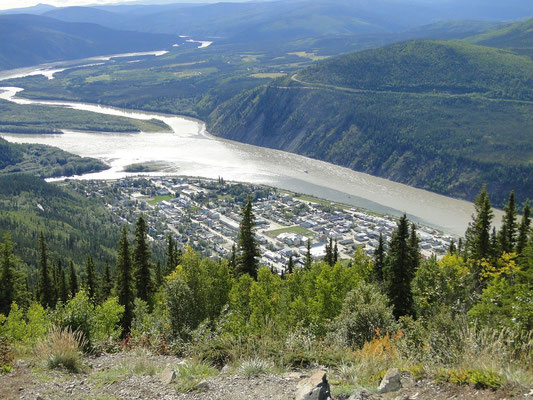 Aussicht auf Dawson City vom Midnight Dome