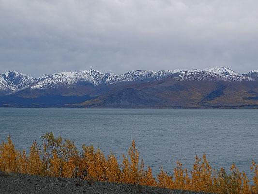 Kluane Lake, grösster See im Yukon