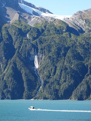 kleiner Wasserfall vor Valdez