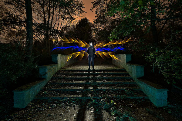 Lichtgestalt (Remake) - Light Art Photography & Light Painting