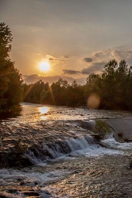 Il torrente scorre placido all'altezza di Vigliano