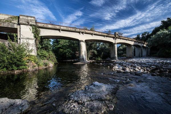 Il ponte ferroviario della linea Biella-Novara