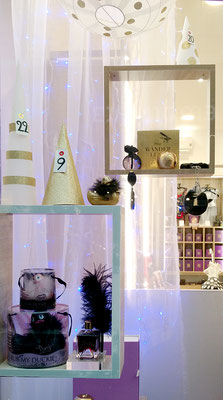 vitrine; sex-shop; calendrier; avent; chic; sapin