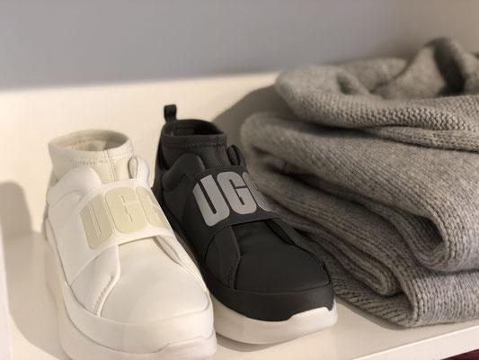 Schuhe von UGG je 149,00 €