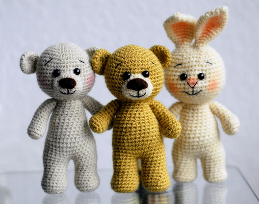 Bärchen 21, Teddy 22, Hase 8