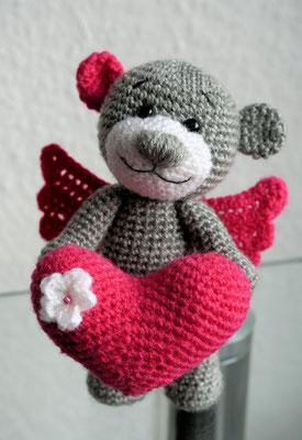 Teddy Pink Angel Heart Amigurumi