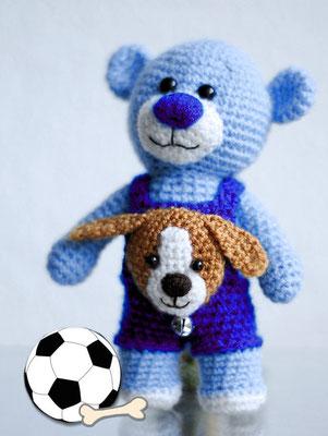 Teddy hat immer seinen Freund dabei