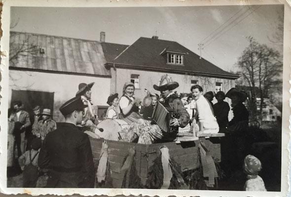 Fastnachtsumzüge in Ammeldingen Mitte der 1950er
