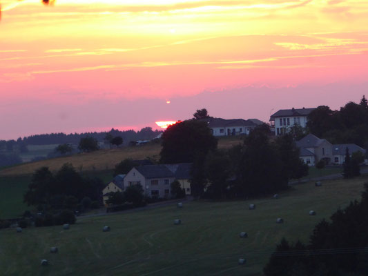 Sonnenuntergang über Emmelbaum