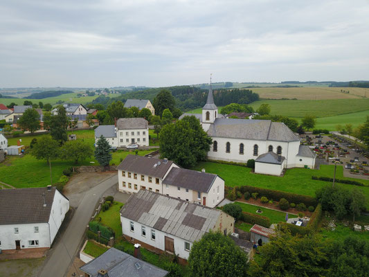 Luftaufnahme Kirche im August 2017