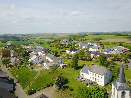 Luftaufnahme Oberdorf (Pfarrhaus-DGH) im Mai 2017
