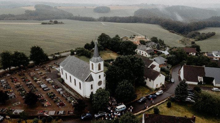 Luftaufnahme Kirche Ende Juli  2019