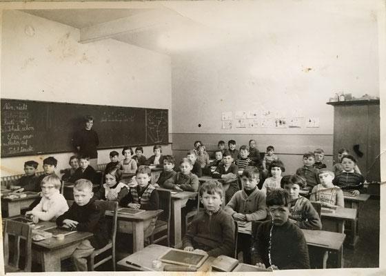 Schuluntericht in Ammeldingen ca. 1960