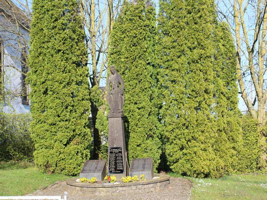 Kriegerdenkmal 2017