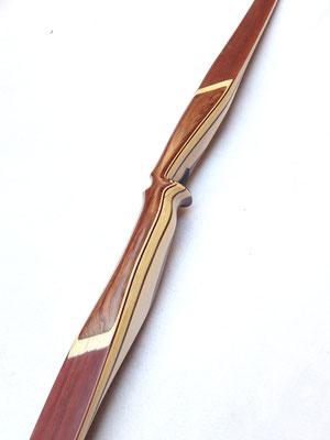 Griff: Bubinga und Ahorn, WA: Bambus rötlich gebeizt