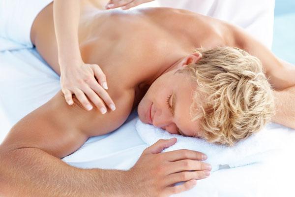 Rückenmassage Herr