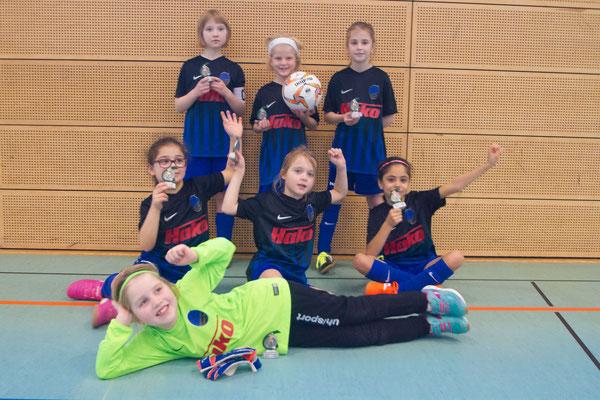 Die F-Mädchen beim La-Rive-Cup in Henstedt-Ulzburg