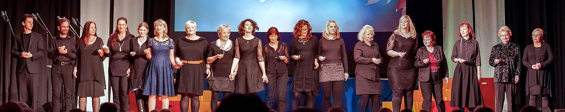 Schlussapplaus für den Chor des Musicalzaubers 2018 unter der Leitung von Shira Bitan