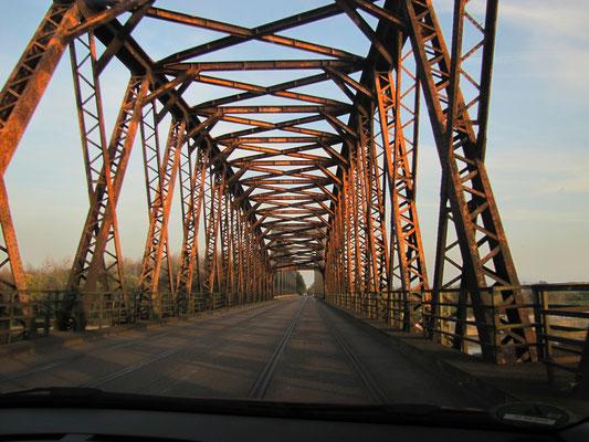 Rheinbrücke Wintersdorf, Licht Impressionen  © Peter Diziol