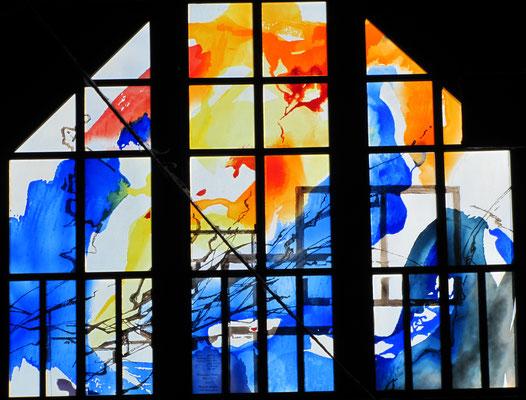 Große Glasfenster mit mundgeblasenem Flachglas der Glashütte; © Foto Dr. P. Diziol, Aufnahmen von 2015