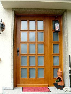 Haustür mit Seitenteil in Eiche
