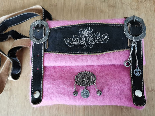 #11 Pink, 21x26 cm, 99,-€