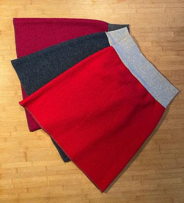 Farben von oben nach unten: Pink, Jeansblau meliert, Rot