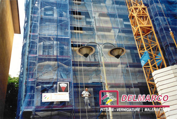Delmarco pitture e verniciature Bolzano - Bozen  | Palazzo Cristanel centro storico Bz - tinteggiatura facciata con silicati Keim
