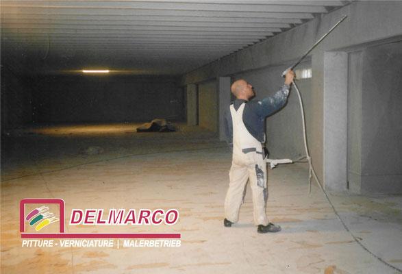 Delmarco pitture e verniciature Bolzano - Bozen  |  tinteggiatura magazzino a spruzzo 5000 m/q