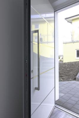 Weiße Aluminium Haustüre