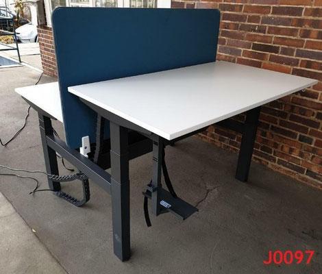gebrauchter Grossraumbüro Doppeltisch