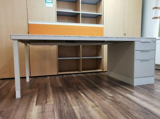 VITRA Schreibtisch mit Standcontainer, gebraucht