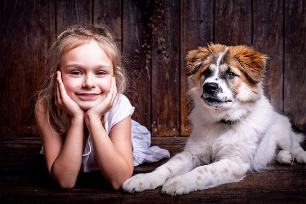 Kinderfoto mit Hund