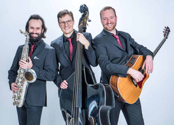 Akustik AG- mobiles Trio mit Sax, Kontrabass und Gitarre
