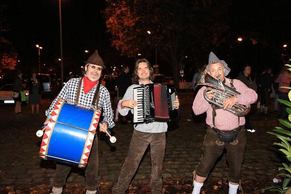 Das Musikantenklub Trio mit Pauke