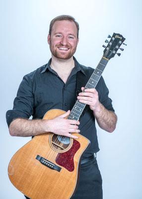 Marcus  - Gitarre & Gesang