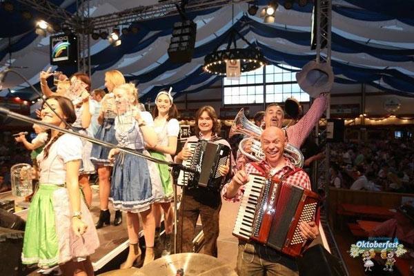 Der Musikantenklub zur Eröffnung Oktoberfest Mannheim
