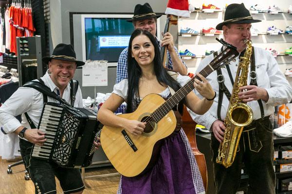 Der Musikantenklub bei Engelhorn Mode Mannheim
