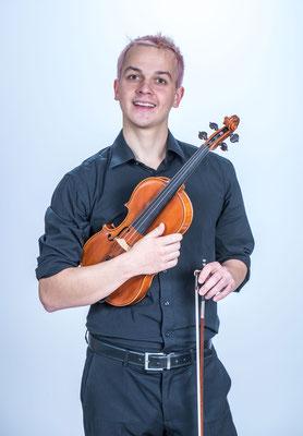 Tristan - Violine, Snare & Gesang