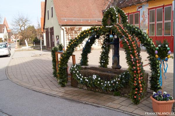 Osterbrunnen Offenhausen