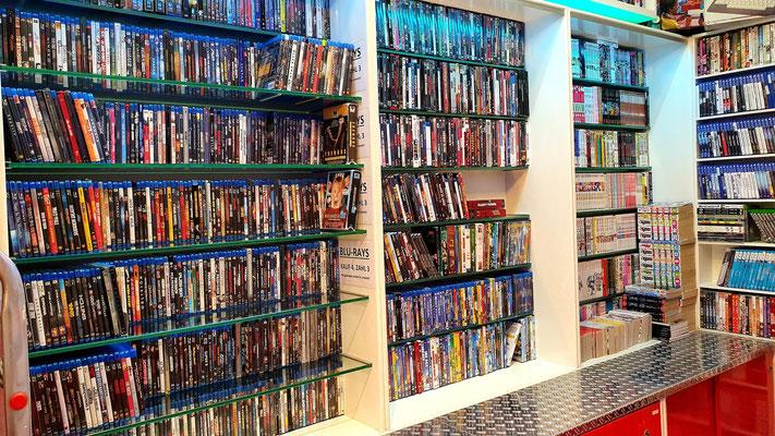 Filme und Mangas zählen ebenfalls zu unserem Inventar
