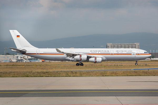 FRA 25.06.2015; 16+02; Airbus A340-313; Flugbereitschaft BmVg (ex. Lufthansa D-AIFB) mit Queen Elisabeth II on board