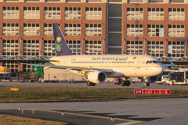 FRA 25.01.2016; HZ-ASE, Saudi Arabian Airlines Airbus A320-214
