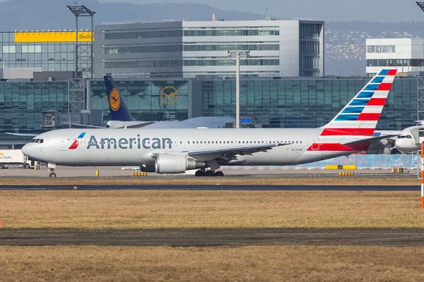 FRA 03.03.2015; N376AN; B767-323(ER) American Airlines new-cs.