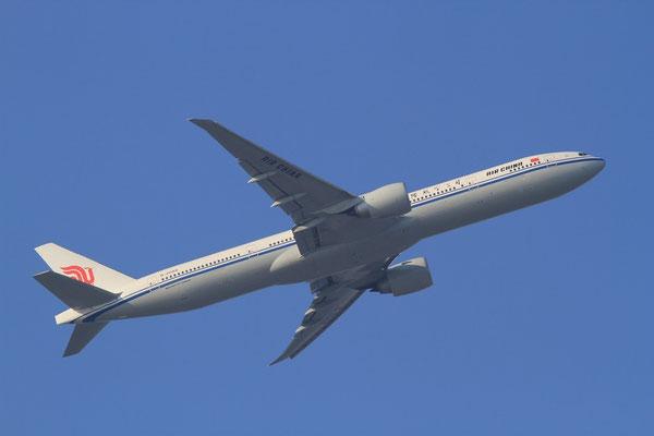 FRA 31.01.2012; B-2088 Boeing 777-300ER Air China